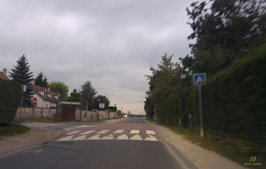 Folle route de grande banlieue
