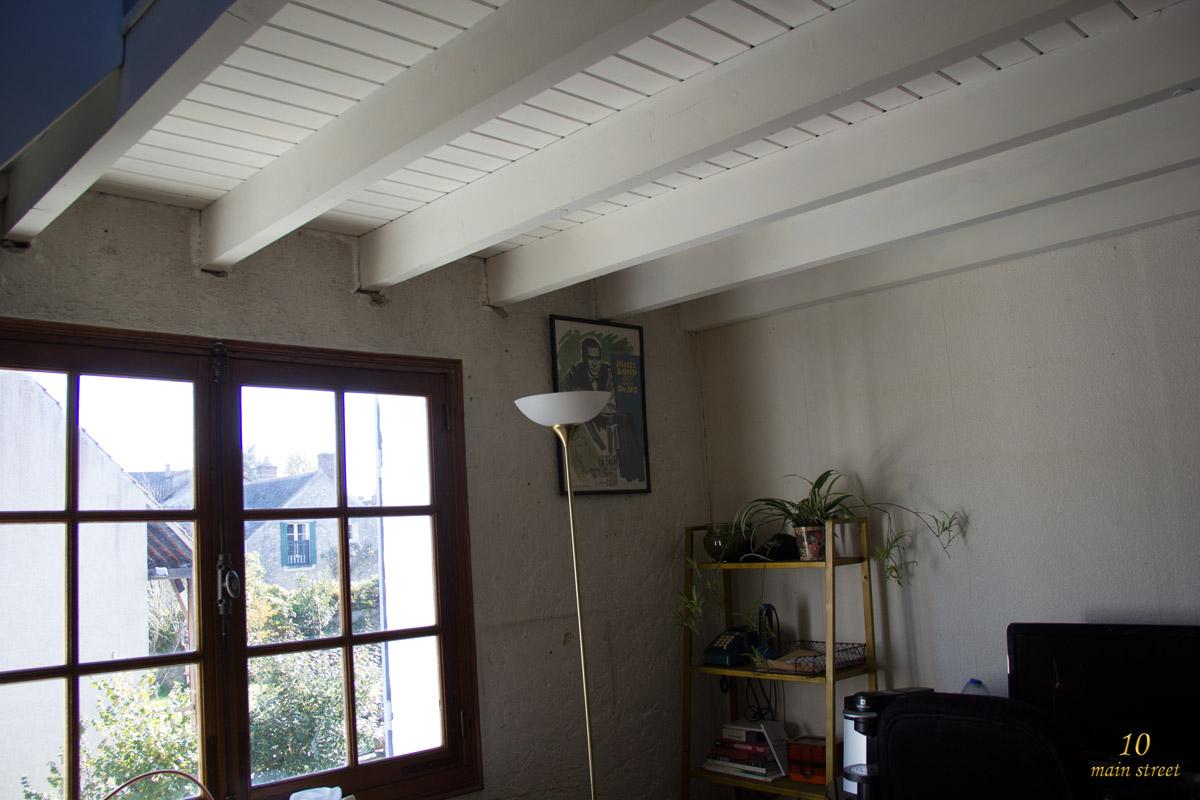 commentaire peindre un plafond avec des poutres - les poutres et le plafond ou l 39 ach vement de la mezzanine