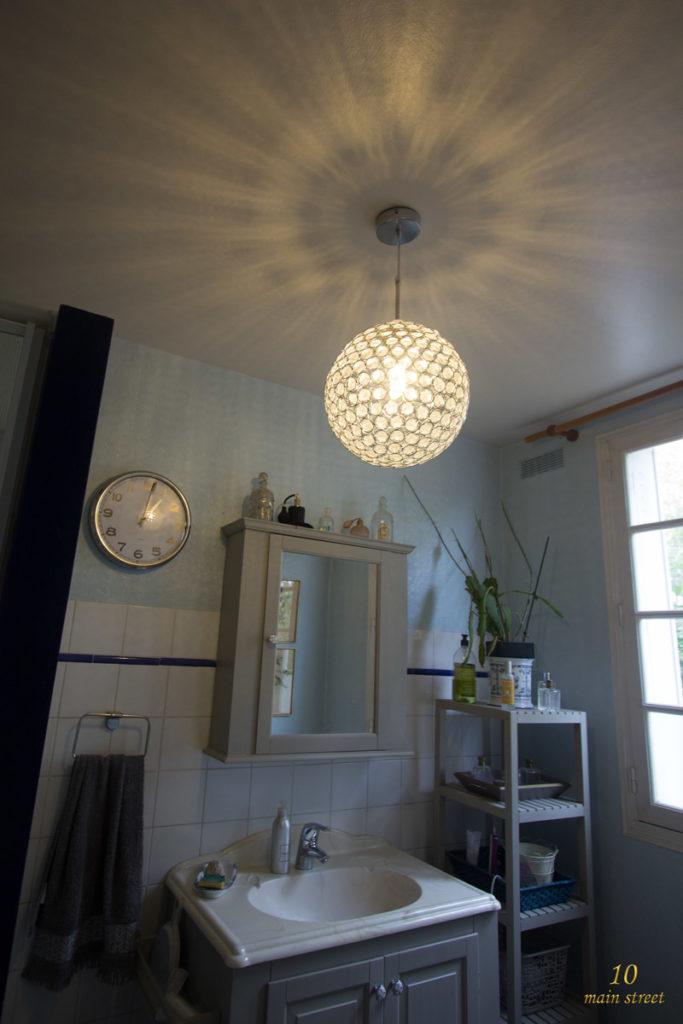 Suspension scintillante avec ampoule LED