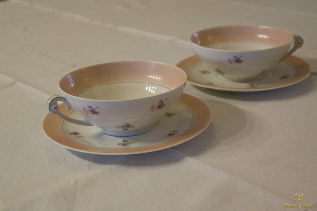 Tasses à thé en porcelaine de Limoges des années 1950