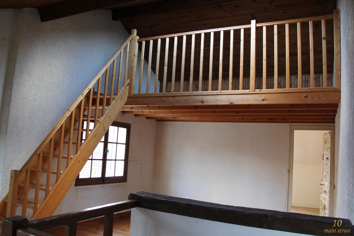 La mezzanine du bureau tat des lieux perspectives - Repeindre un bureau en bois ...
